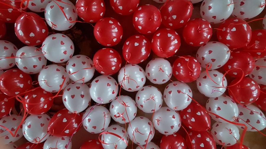 Helium Ballonnen met Hartjes Rood Wit