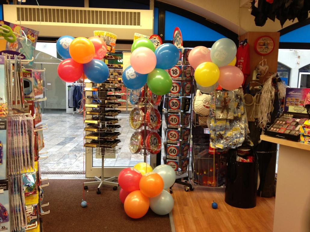 Ballondecoratie met Helium en Minipilaar